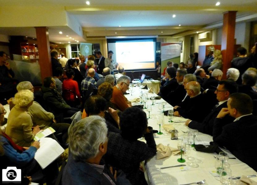Une salle comble (environ deux fois plus de participants que prévu)